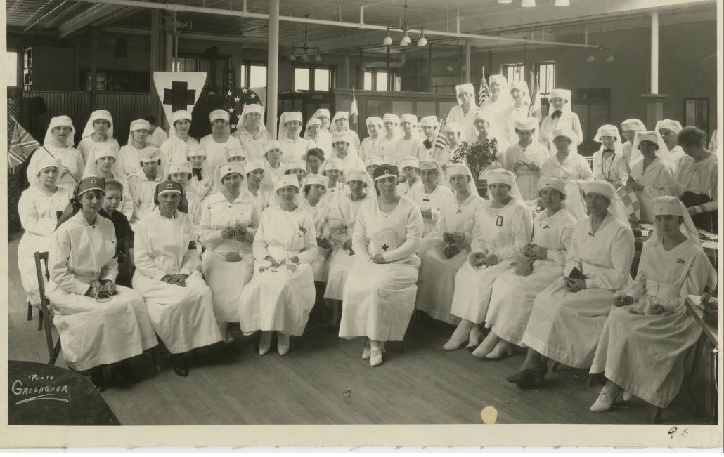 Duluth's Red Cross Women in 1918. (Kathryn A. Martin Library, University of Minnesota Duluth, Archives and Special Collections, Northeast Minnesota Historical Center Collections.)